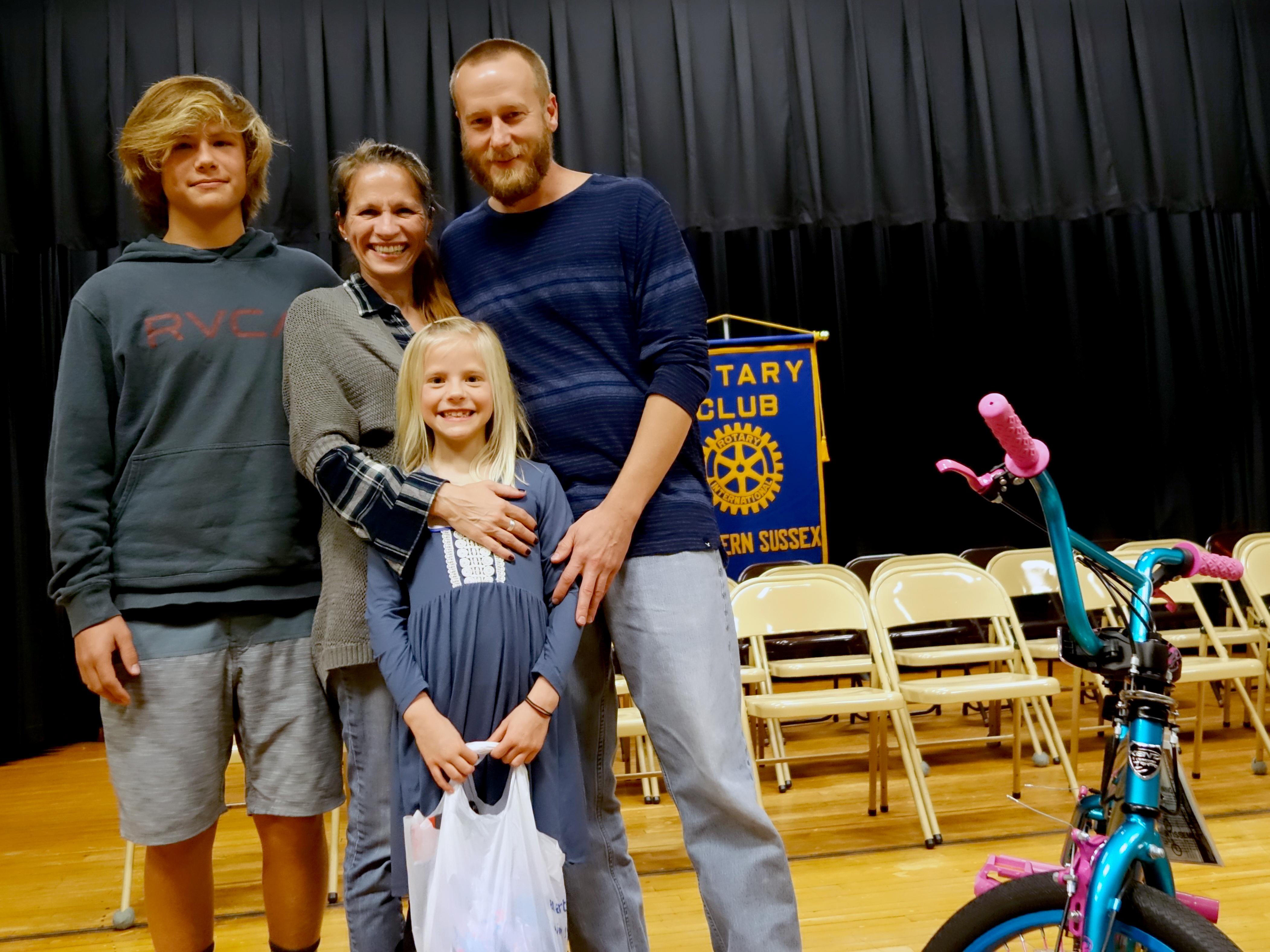 2017-11-01 3rd Grade Spelling Bee, Winner & Family